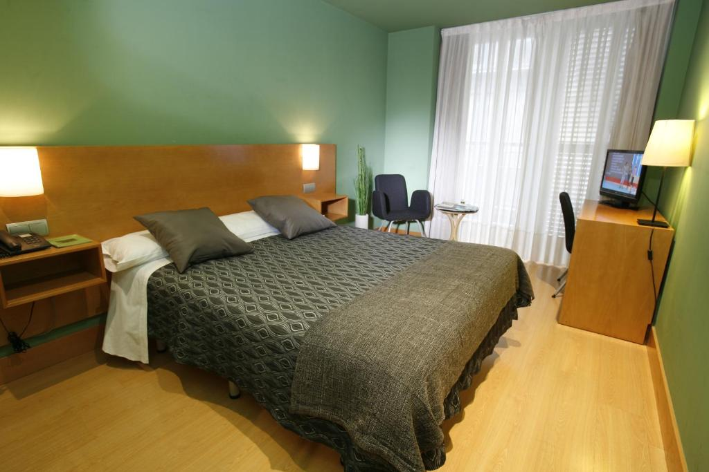 Hotel bilbao jardines bilbao reserva tu hotel con - Hotel jardines bilbao ...
