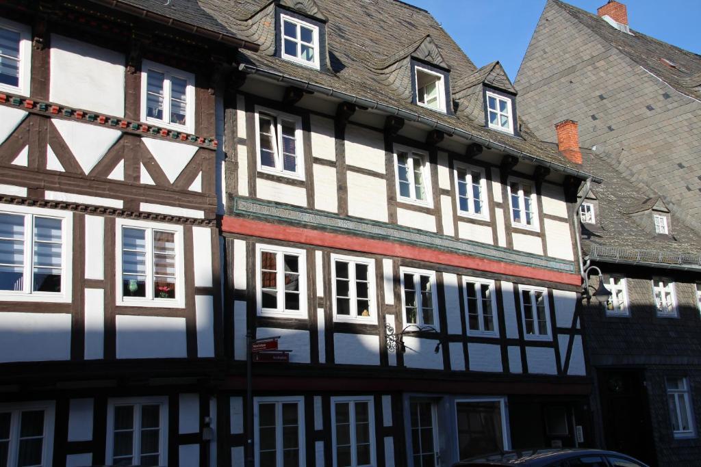 appartements ferienwohnungen altstadt goslar locations de vacances goslar. Black Bedroom Furniture Sets. Home Design Ideas