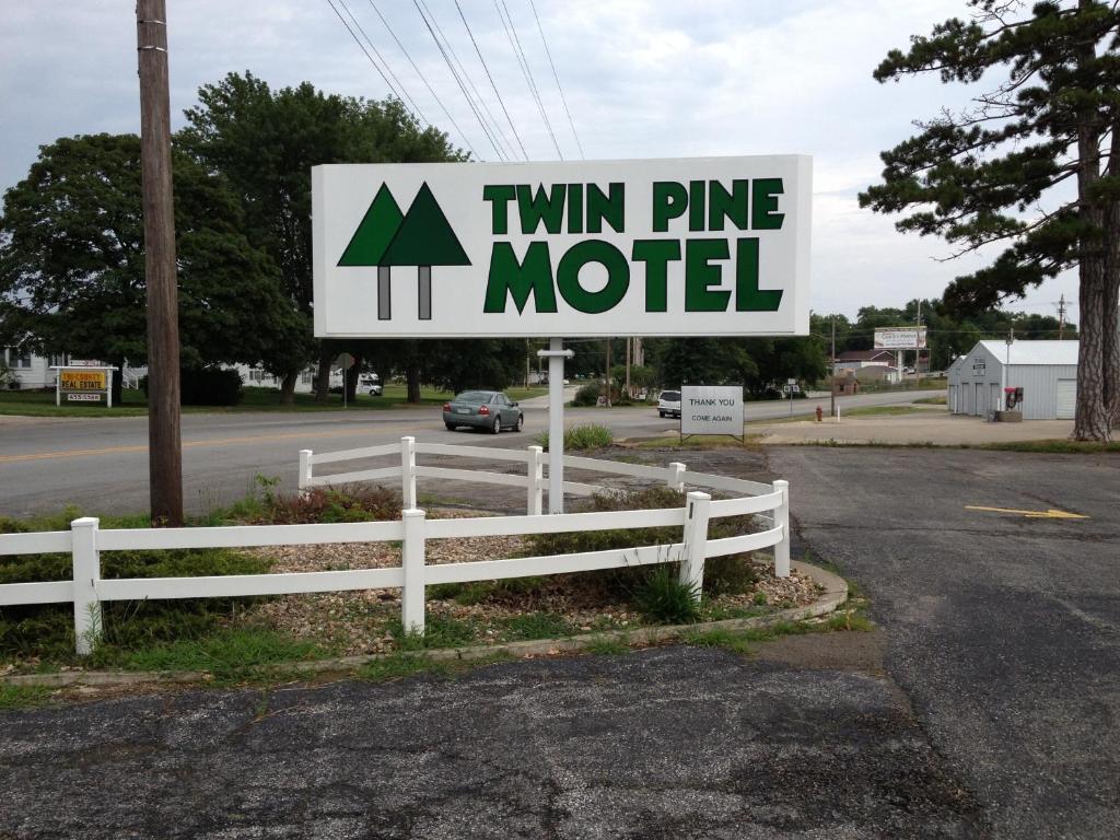 Twin pine motel r servation gratuite sur viamichelin for Reservation motel