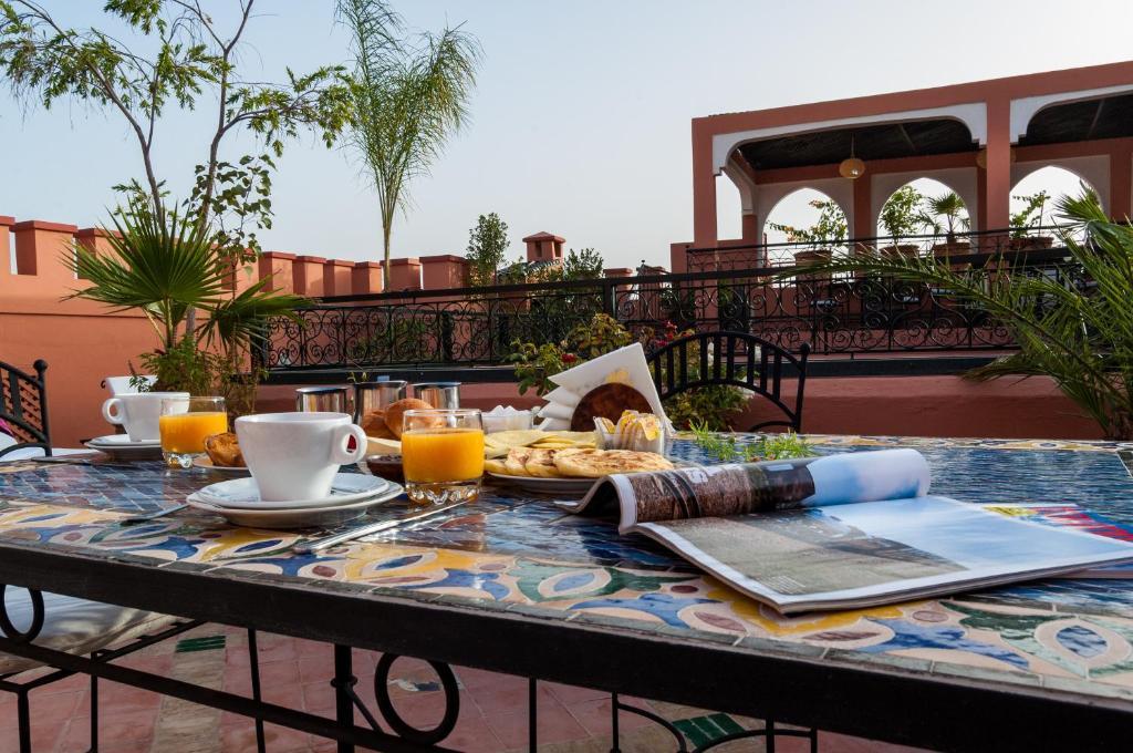 Riad bab agnaou spa r servation gratuite sur viamichelin for Bab hotel marrakech piscine