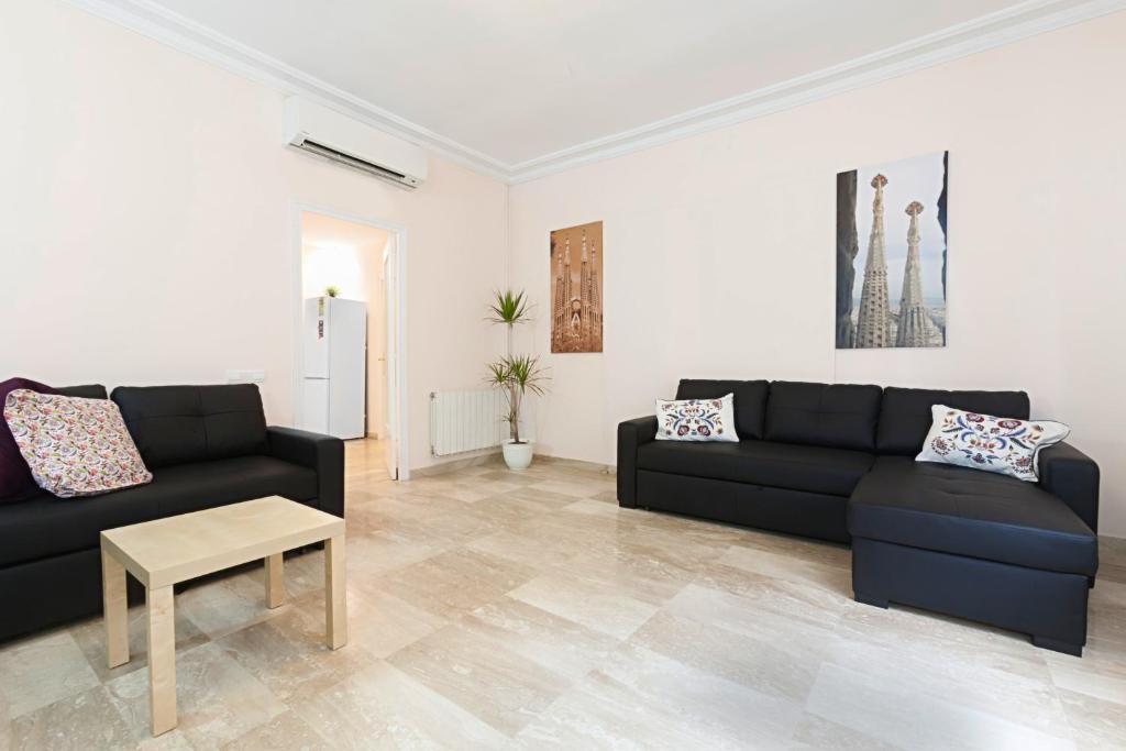 chambre d 39 h tes be barcelona sagrada familia chambres d 39 h tes barcelone. Black Bedroom Furniture Sets. Home Design Ideas