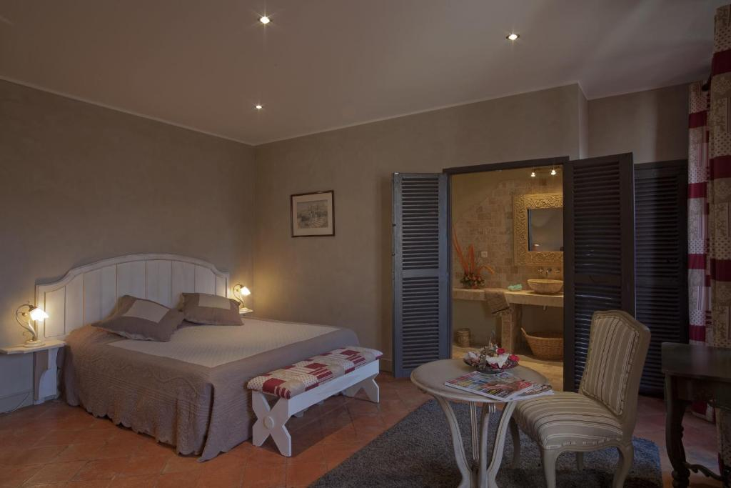 Chambres d 39 h tes bed breakfast demeure du pareur chambres d 39 h tes villeneuve minervois - Chambres d hotes vouvray ...