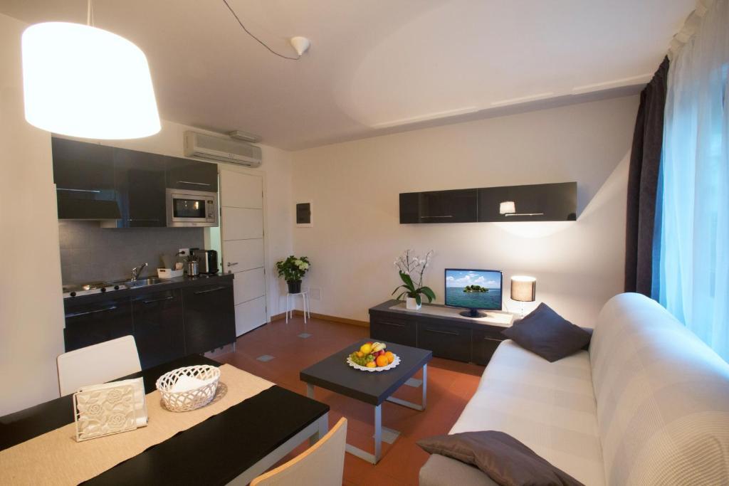 Lacroma aparthotel grado reserva tu hotel con viamichelin - Aparthotel con encanto ...