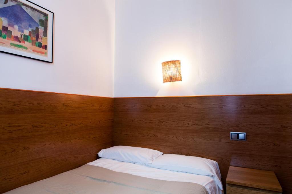 Estudios pelayo guest house barcellona prenotazione on for Prenotare hotel barcellona