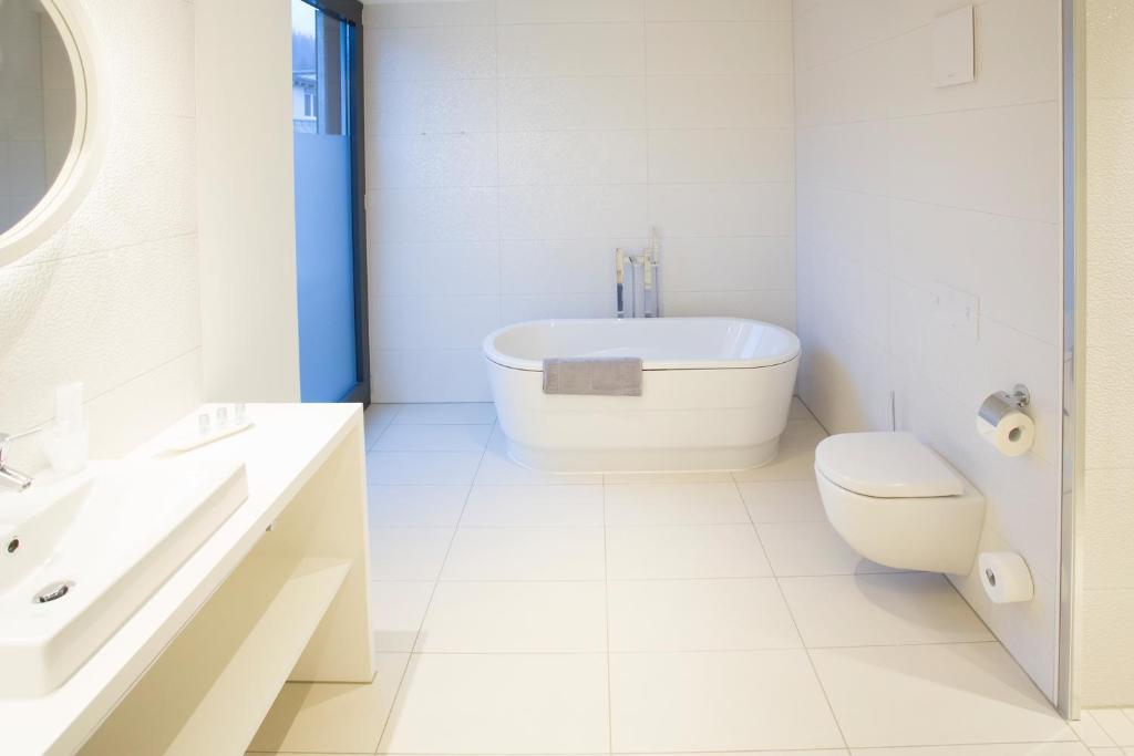 Designhotel kronjuwel waldkirch reserva tu hotel con for Designhotel q