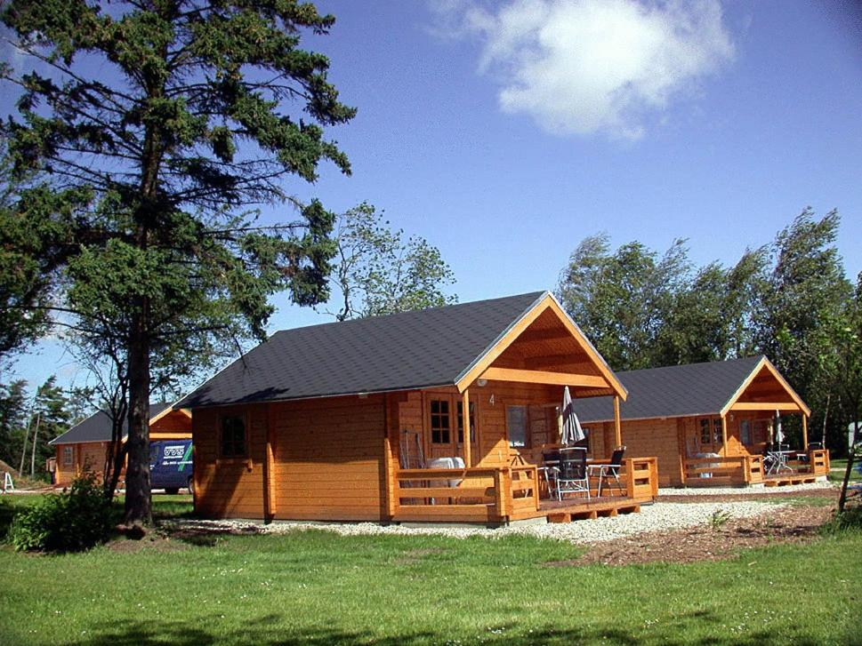 Himmerland camping cottages aars reserva tu hotel con for Camping con piscina cubierta