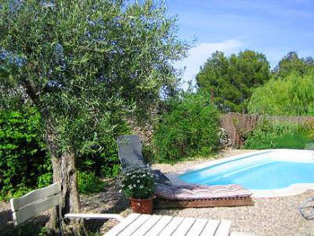 Villa in pouzols minervois ii locations de vacances for Piscine peyriac