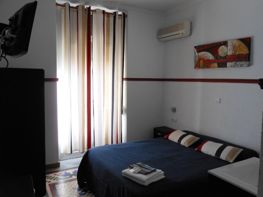 chambres d 39 h tes pensi n alicante chambres d 39 h tes valence. Black Bedroom Furniture Sets. Home Design Ideas