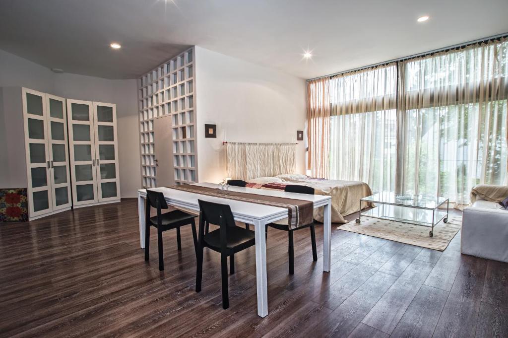 Apartment breeze bratislava informationen und for Bratislava apartments