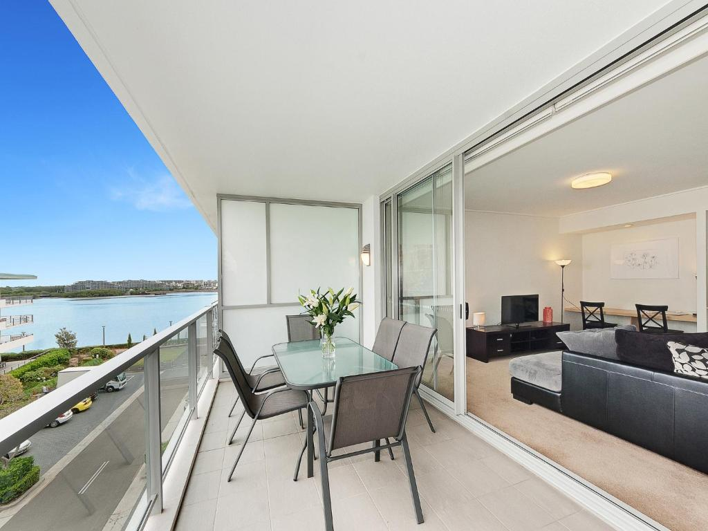 Astra Apartments Rhodes, Sydney, Australia - Booking.com