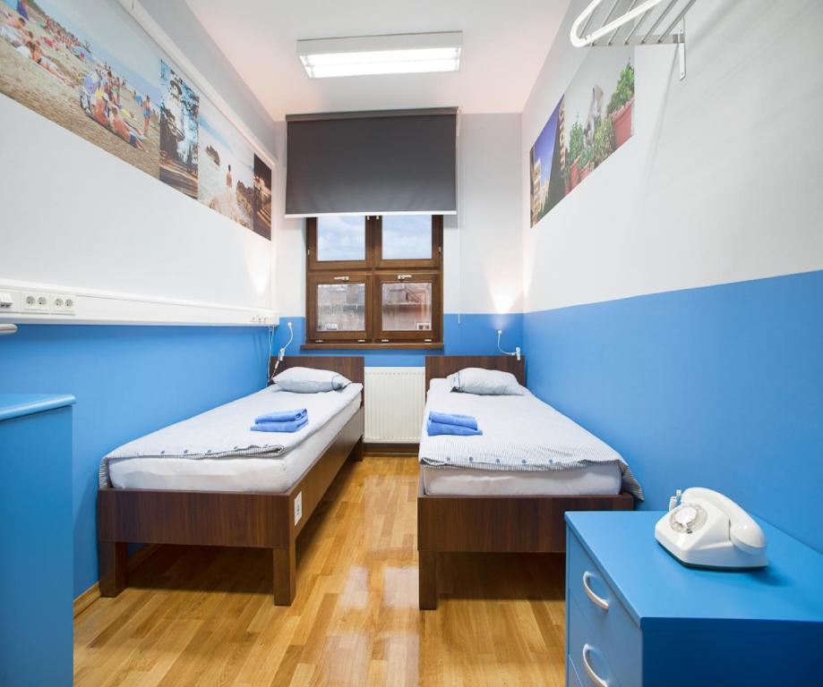 hostel bureau zagreb book your hotel with viamichelin. Black Bedroom Furniture Sets. Home Design Ideas