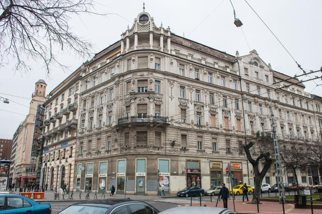 Wesselenyi design apartment budapest informationen und for Top design hotels budapest
