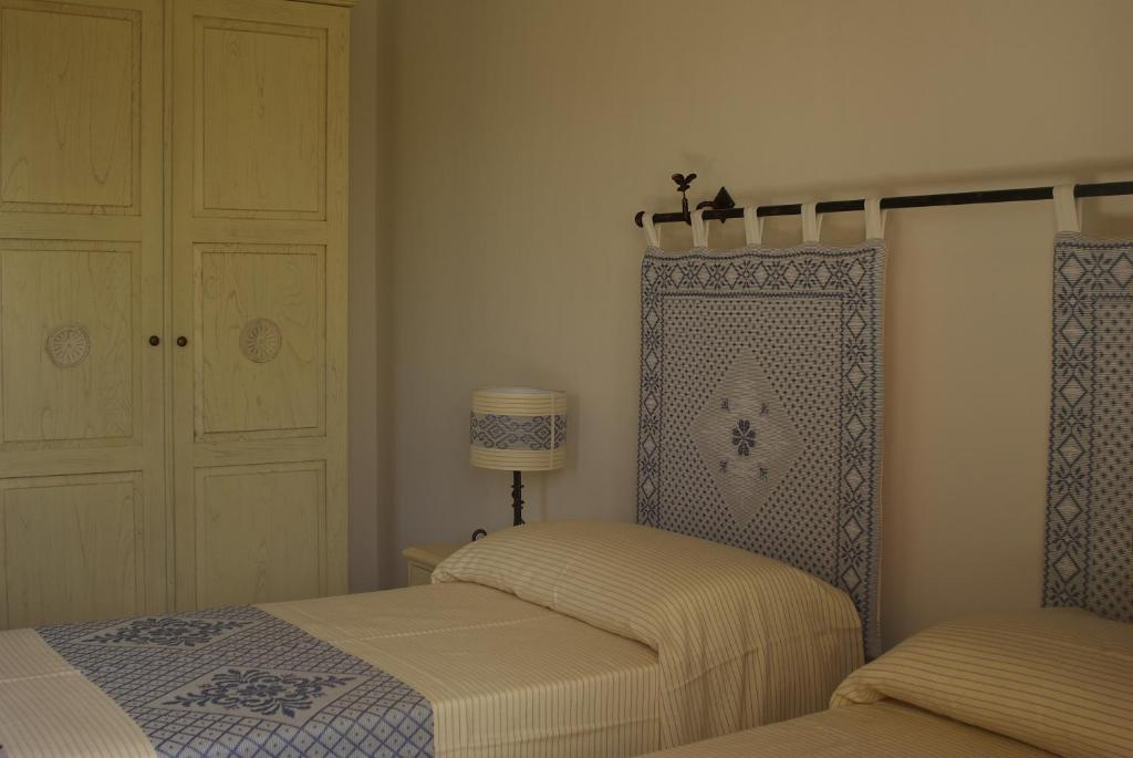 Chambres d 39 h tes b b pubulos chambres d 39 h tes olbia for Chambre d hote sardaigne