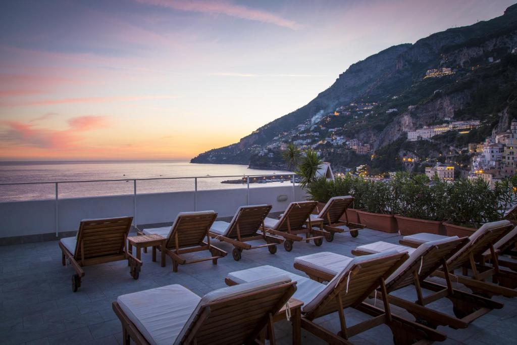 A piscina localizada em Hotel Marina Riviera ou nos arredores