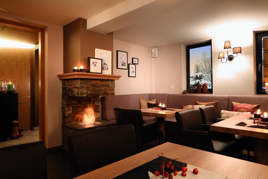 hotel zum taufstein mittelkalbach informationen und buchungen online viamichelin. Black Bedroom Furniture Sets. Home Design Ideas