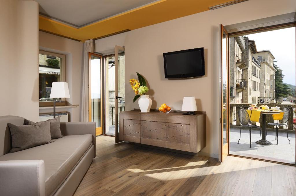 Titano suites hotel san marino prenotazione on line - Titan bagno san marino ...