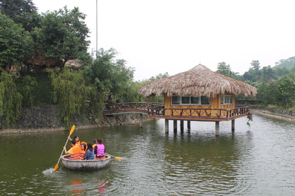 Phòng King hướng nhìn ra hồ
