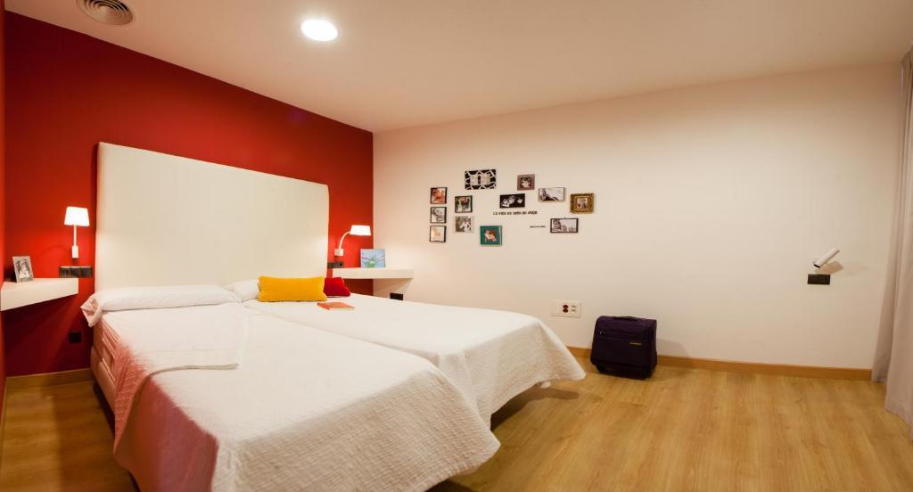 Bed breakfast hostel calatrava luxury bed breakfast for Hostal luxury