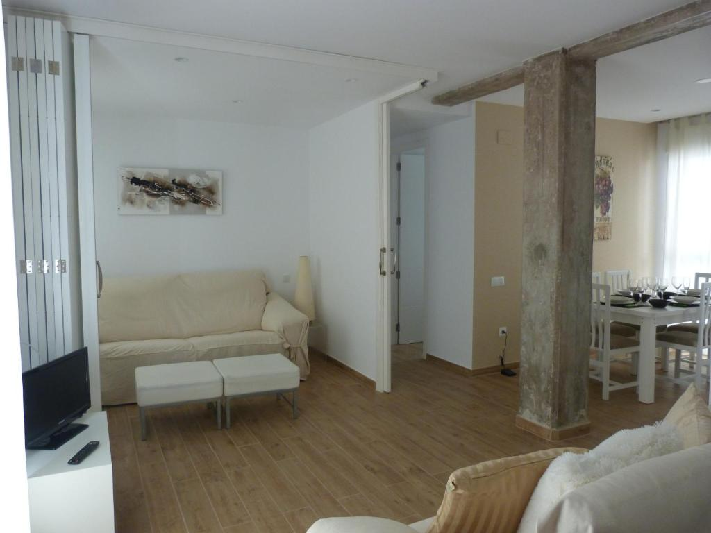 Apartment Plaza Cisneros Espa A Valencia Booking Com # Muebles Cisneros