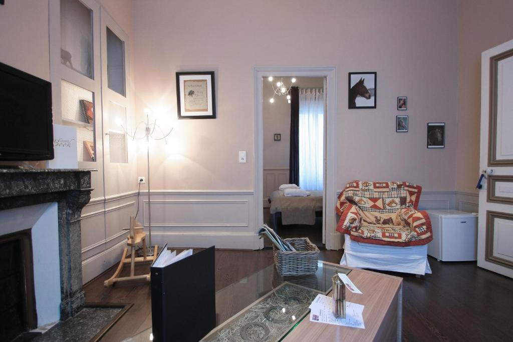 Chambre d 39 h tes les epicuriens pernay book your hotel for Chambre d hote epernay