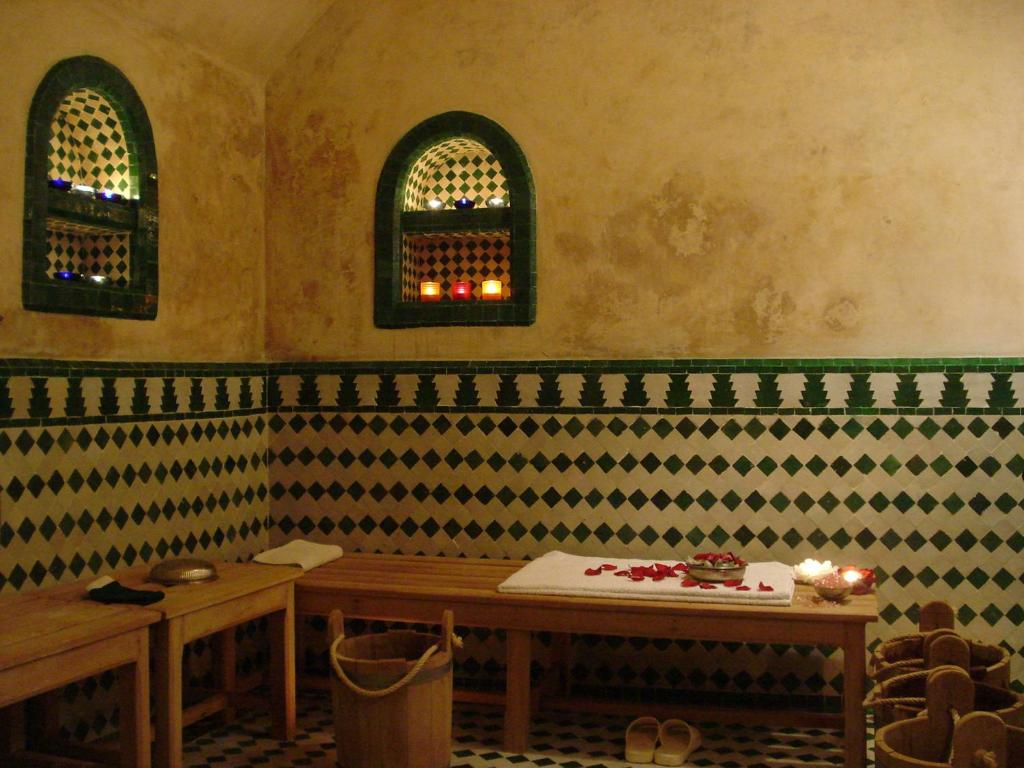 Accessoires Salle De Bain Couleur Aqua ~ Vasque Marocaine Salle De Bain La Salle De Bain Marocaine Au Rez De