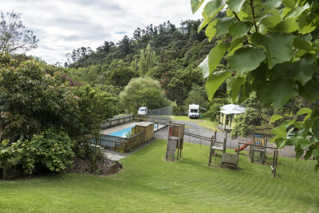 Dickson holiday park book your hotel with viamichelin for Coastal motor lodge thames
