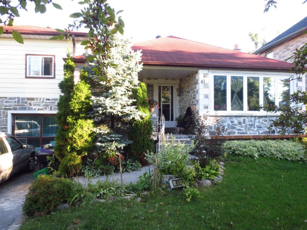 Bed And Breakfast Toronto North York