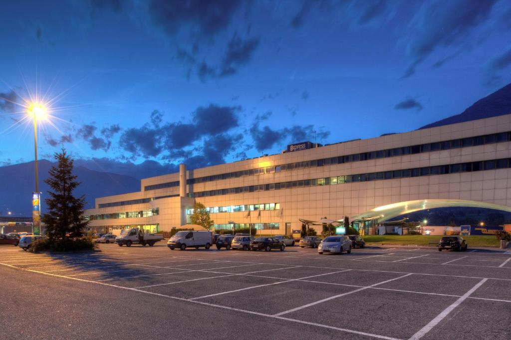 Aeroporto Aosta : Hotel express aosta east saint christophe prenotazione
