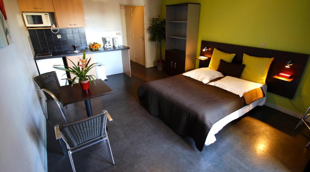les palatines saint tienne informationen und buchungen online viamichelin. Black Bedroom Furniture Sets. Home Design Ideas