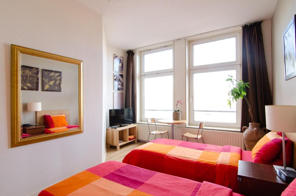 chambres d 39 h tes amstel riverview chambres d 39 h tes amsterdam. Black Bedroom Furniture Sets. Home Design Ideas