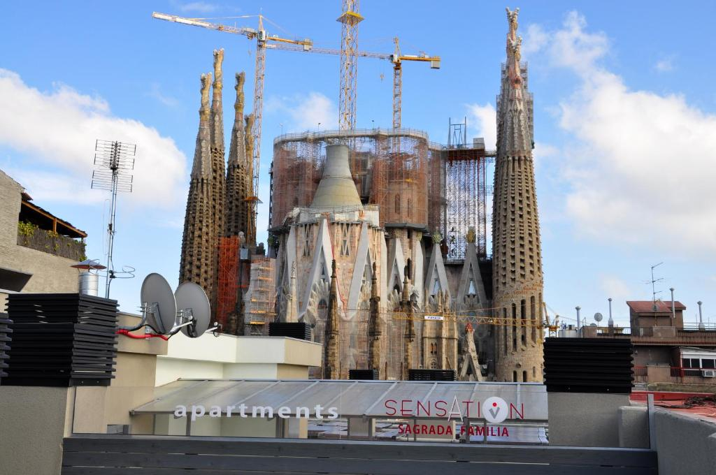 Sensation sagrada familia barcellona prenotazione on for Barcellona albergo economico