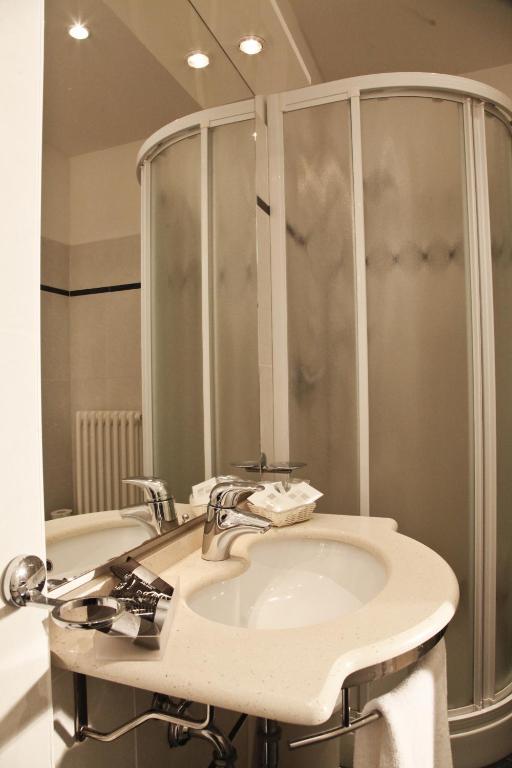 Hotel majorca riccione prenotazione on line viamichelin - Bagno 53 riccione ...
