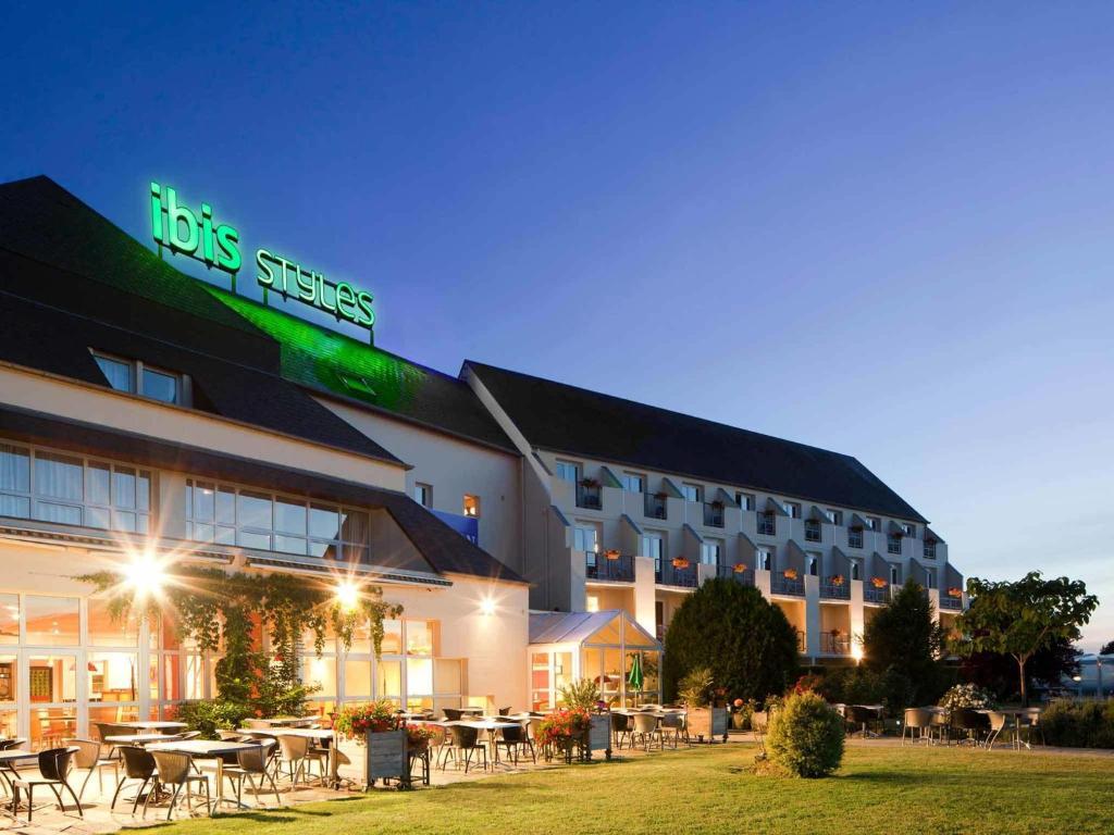 Hotel Chinon Piscine