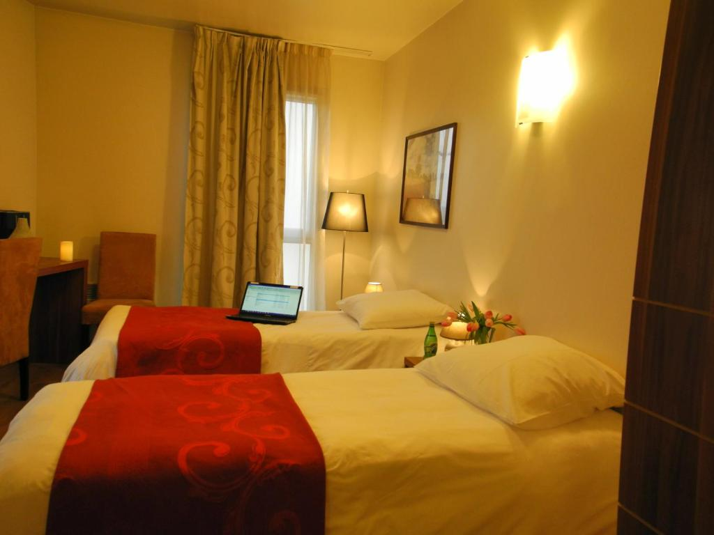 Villa val senart 1ere avenue quincy sous s nart for Appart hotel quincy sous senart