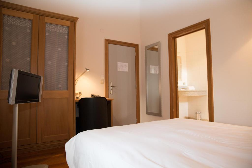 domaine du vieux moulin rochefort viamichelin informatie en online reserveren. Black Bedroom Furniture Sets. Home Design Ideas