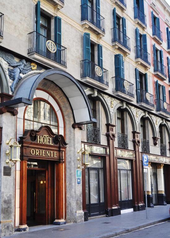 Oriente atiram barcellona prenotazione on line for Prenotare hotel barcellona