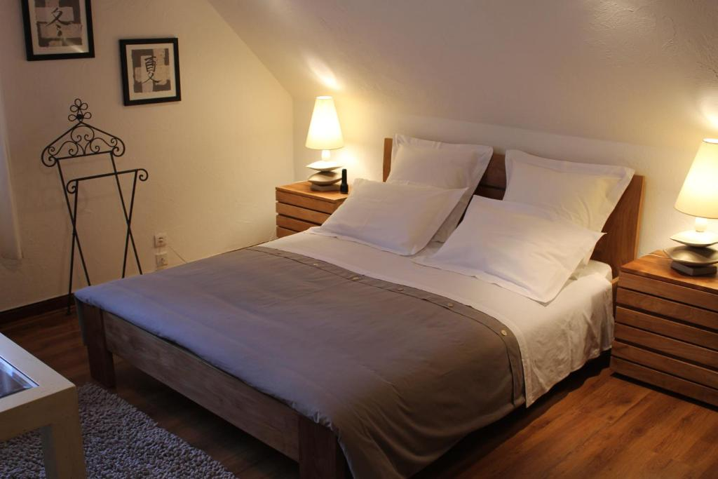 Chambres d 39 h tes la brill ve lamotte beuvron book your for Chambre d hote hotel