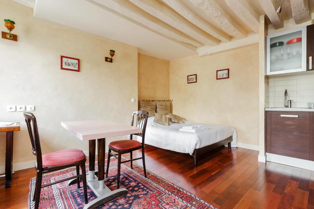 Appartement art deco locations de vacances paris for Deco appartement gratuit