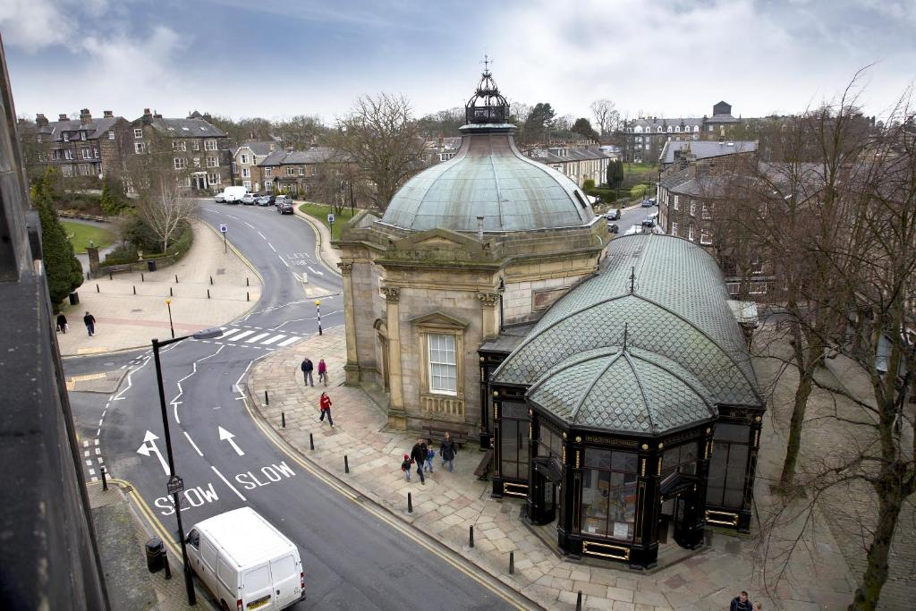 Royal Parade Apartments - Harrogate - book your hotel with ...