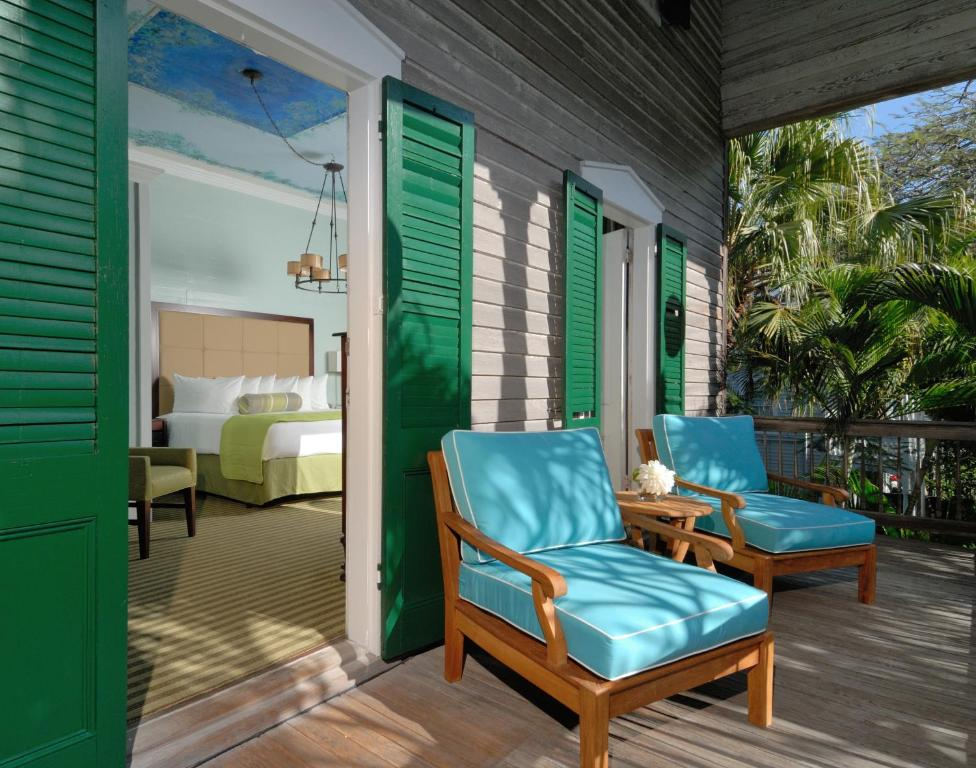 Cypress house hotel in key west adults only key west for Cypress house
