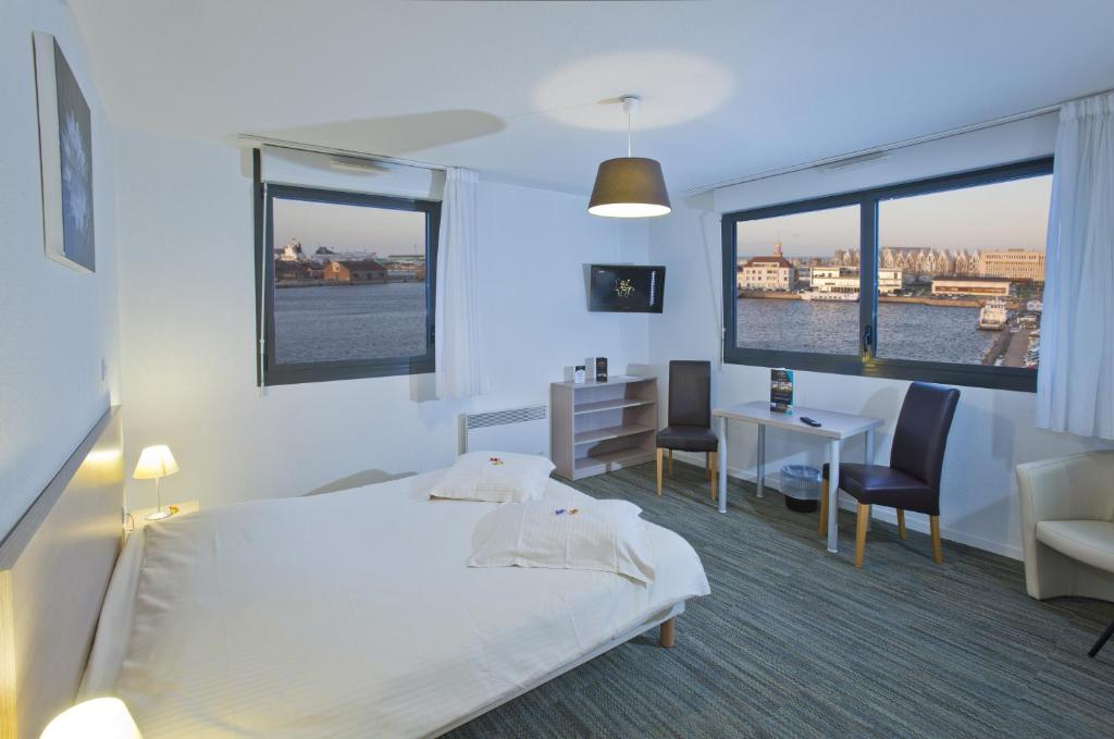 All suites appart h tel dunkerque dunkirk book your for Appart hotel suite