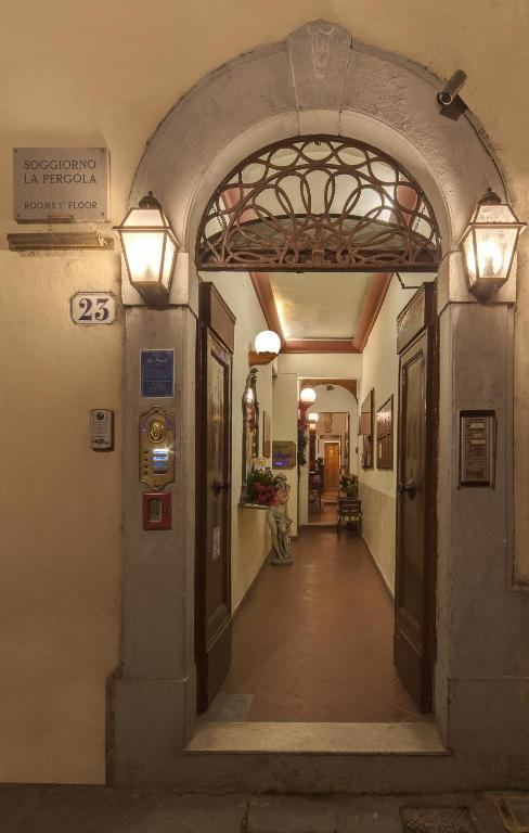 Soggiorno La Pergola - Firenze - ViaMichelin: informatie en online reserveren