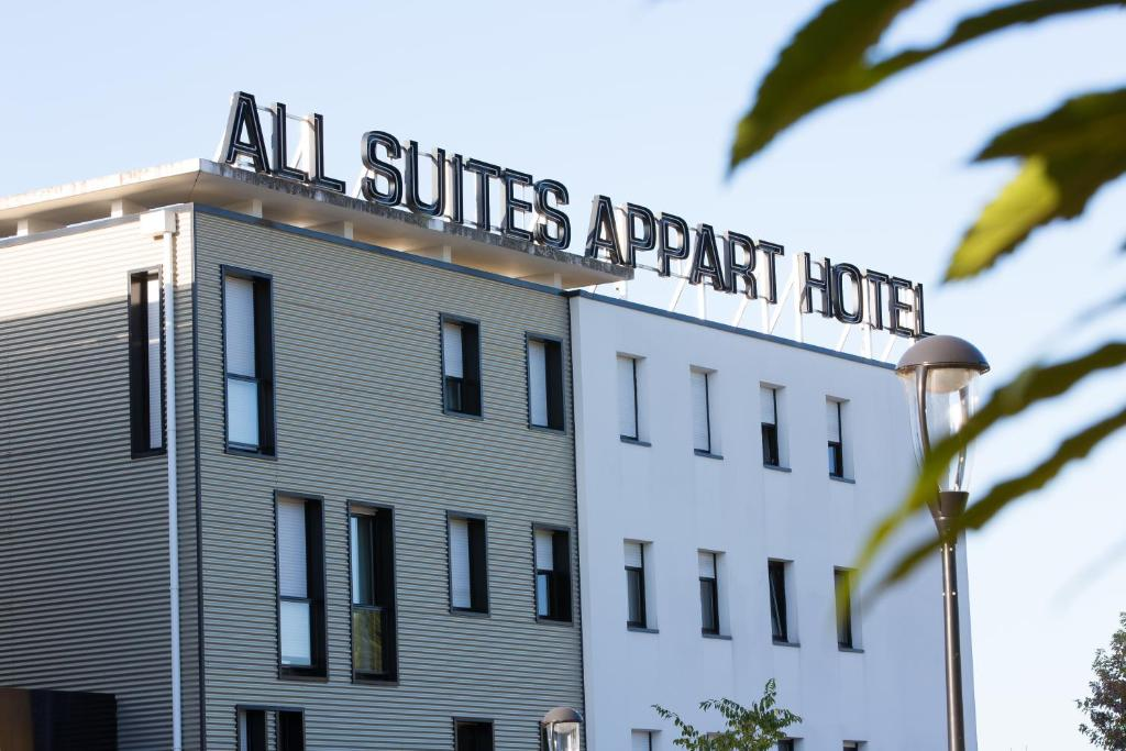 All Suites Appart Hotel Pau  Rue Des Tiredous
