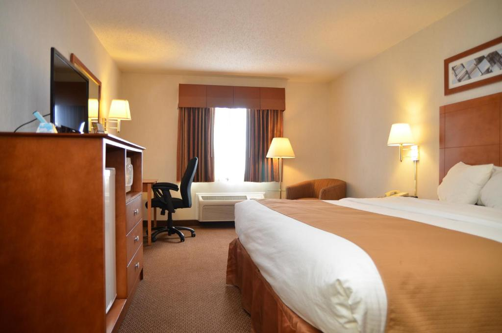 Baymont Inn & Suites -Port Huron