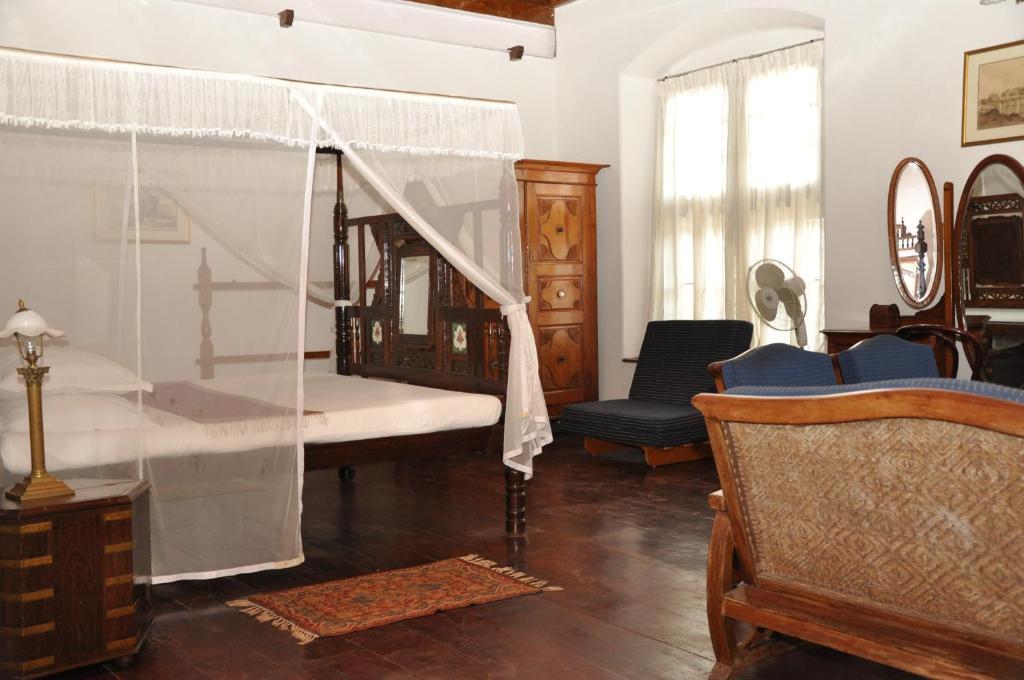 old courtyard hotel r servation gratuite sur viamichelin. Black Bedroom Furniture Sets. Home Design Ideas