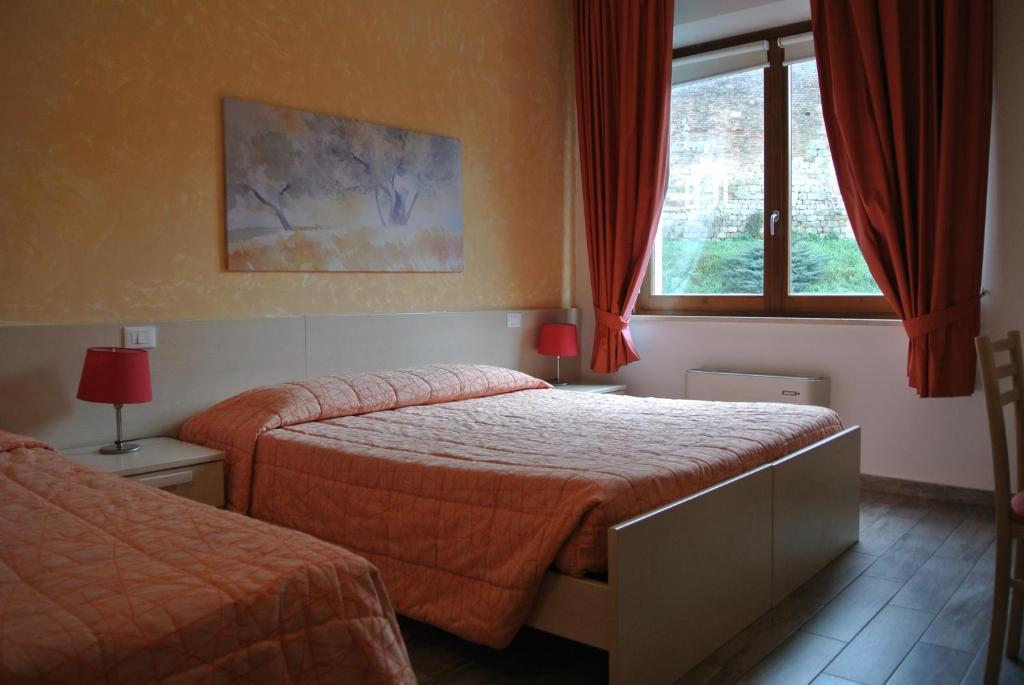 Bed Amp Breakfast Camollia Siena Online Booking