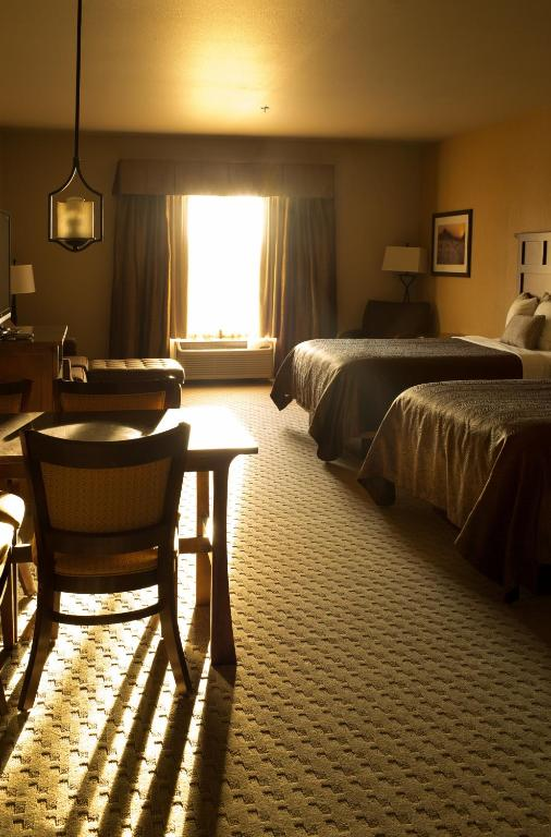 Hotel Rooms In New Town Nd