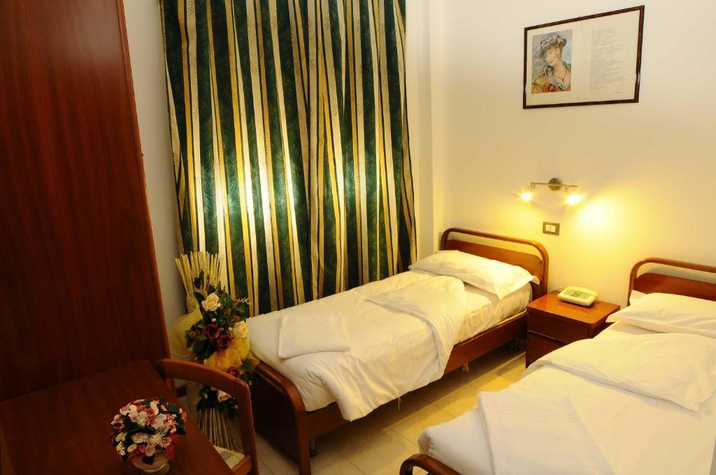 Albergo meubl stelvio tirano prenotazione on line for Albergo meuble abatjour