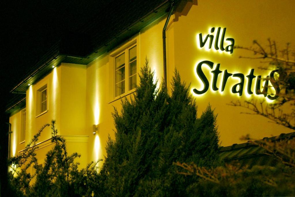 41904012 - Villa Stratus