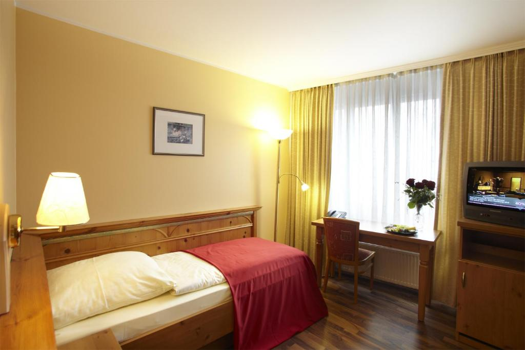 Hotel Gasthof Zur Post Hotels In M 252 Nchen Hotels